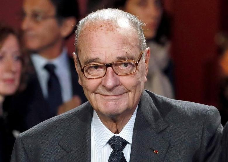 Former French President Jacques Chirac arrives to attend the award ceremony for the Prix de la Fondation Chirac at the Quai Branly Museum in Paris, France November 21, 2014.  REUTERS/Patrick Kovarik/Pool/File Photo