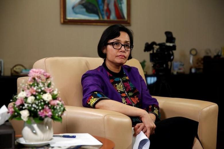 Indonesian Finance Minister Sri Mulyani Indrawati gestures during an interview with Reuters at Finance Ministry office in Jakarta, Indonesia, August 19, 2016. REUTERS/Beawiharta