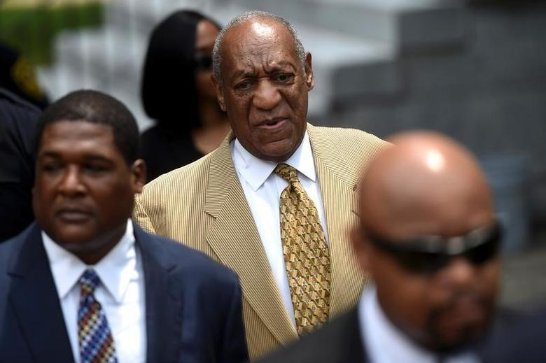 Actor and comedian Bill Cosby arrives for a Habeas Corpus hearing on sexual assault charges at the Montgomery County Courthouse in Norristown, Pennsylvania, July 7, 2016.  REUTERS/Mark Makela/File Photo
