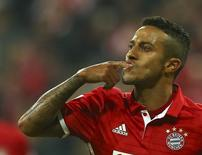 Thiago Alcântara comemora gol do Bayern de Munique.  21/09/16.  REUTERS/Michael Dalder.