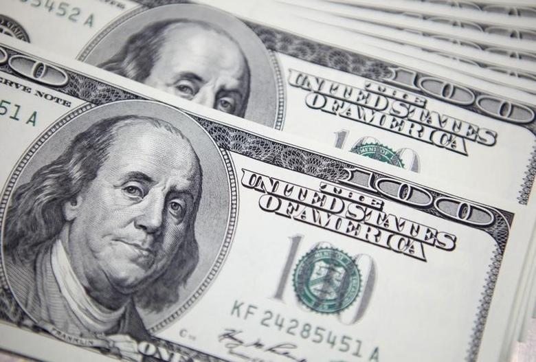 2011年9月20日,美元纸币。REUTERS/Lee Jae-Won