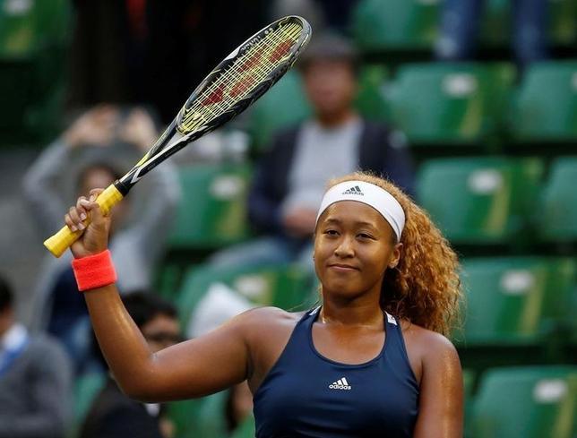 9月21日、女子テニスの東レ・パンパシフィック・オープン、シングルス2回戦、大坂なおみ(写真)が第6シードのドミニカ・チブルコバに6─2、6─1で圧勝。8強入りを果たした(2016年 ロイター/Issei Kato)