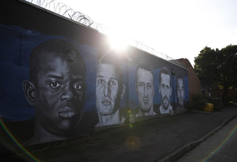 Britain Football Soccer - Leicester City v Chelsea - EFL Cup Third Round  - King Power Stadium - 20/9/16Murals of Leicester City's Marc Albrighton, Robert Huth, Christian Fuchs, Danny Simpson and Chelsea's N'Golo Kante outside the ground before the match Reuters / Darren StaplesLivepic
