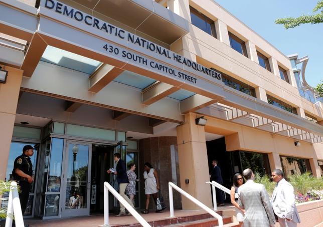 9月22日、米議会情報委員会の民主党有力議員は、ハッキング行為を通じて米大統領選挙に影響を及ぼそうとしているとしてロシアを非難した。ワシントンの民主党本部。6月撮影(2016年 ロイター/Gary Cameron)