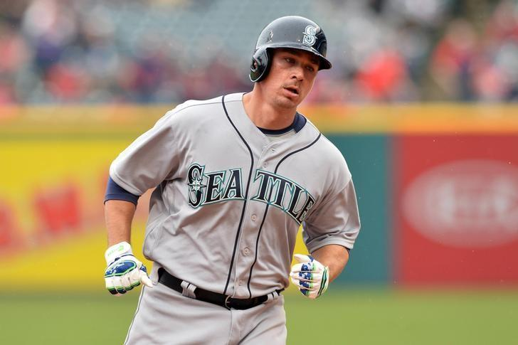 Apr 21, 2016; Cleveland, OH, USA; Seattle Mariners catcher Steve Clevenger (32) rounds the bases after hitting a two-run home run during the second inning against the Cleveland Indians at Progressive Field. Mandatory Credit: Ken Blaze-USA TODAY Sports