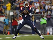 Sep 22, 2016; Foxborough, MA, USA;  New England Patriots quarterback Jacoby Brissett (7) drops back against the Houston Texans during the first half at Gillette Stadium. Mandatory Credit: Winslow Townson-USA TODAY Sports - RTSP20O