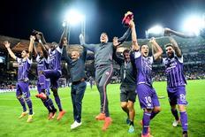 Jogadores do Toulouse comemoram vitória sobre Paris St Germain.  23/09/16.   REUTERS/Fred Lancelot