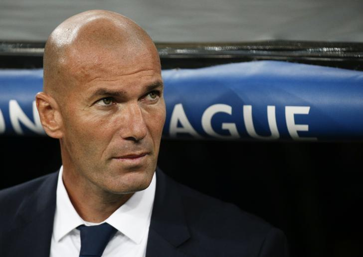Football Soccer - Real Madrid v Sporting Portugal- UEFA Champions League group stage - Santiago Bernabeu stadium, Madrid, Spain - 14/09/16 Real Madrid's coach Zinedine Zidane before match.   REUTERS/Juan Medina