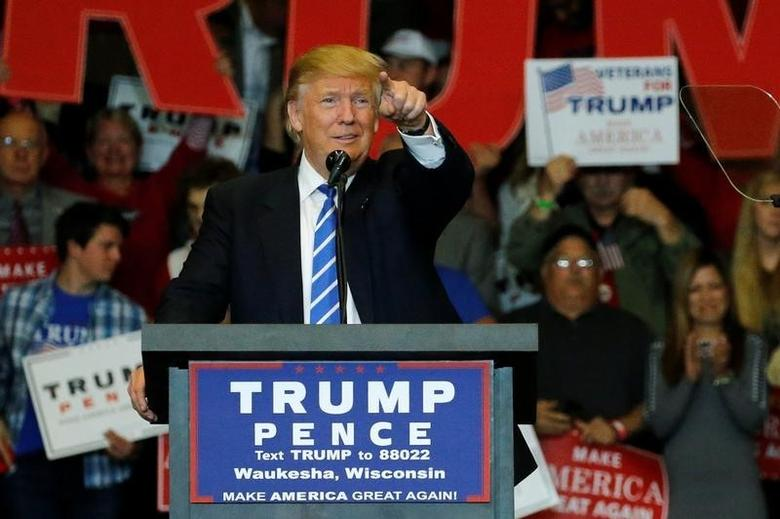 Republican presidential nominee Donald Trump holds a rally with supporters in Waukesha, Wisconsin, U.S. September 28, 2016. REUTERS/Jonathan Ernst