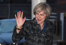 La primera ministra británica, Theresa May, activará el proceso formal para la separación de la Unión Europea a finales de marzo de 2017, dando el pistoletazo de salida al mayor cambio político de Reino Unido desde la Segunda Guerra Mundial. En la imagen, May llega a una conferencia del Partido Conservador en Birmingham, Inglaterra, el 1 de octubre de 2016. REUTERS/Toby Melville