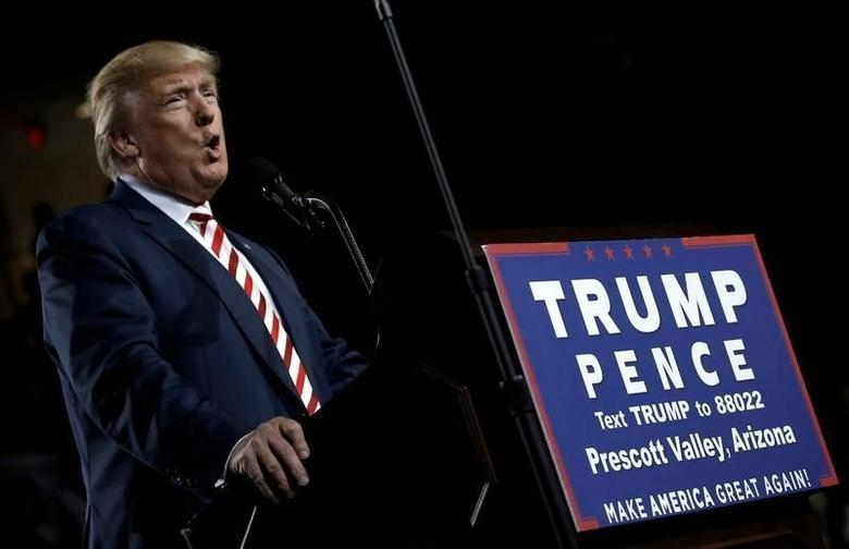 U.S. Republican presidential nominee Donald Trump speaks during a campaign rally, in Prescott Valley, Arizona, U.S., October 4, 2016.  REUTERS/Mike Segar