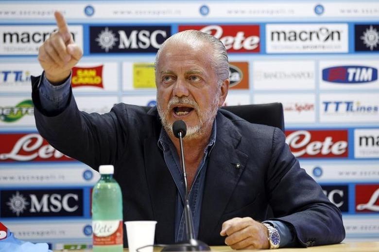 Napoli club Chairman Aurelio De Laurentiis gestures during a news conference in Naples August 31, 2012. REUTERS/Ciro De Luca/Files