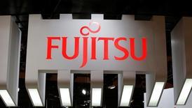Le japonais Fujitsu veut céder le contrôle de ses opérations dans les ordinateurs personnels au chinois Lenovo, premier fabricant mondial de PC, rapporte le quotidien japonais Nikkei.. /Photo prise le 3 octobre 2016/REUTERS/Toru Hanai