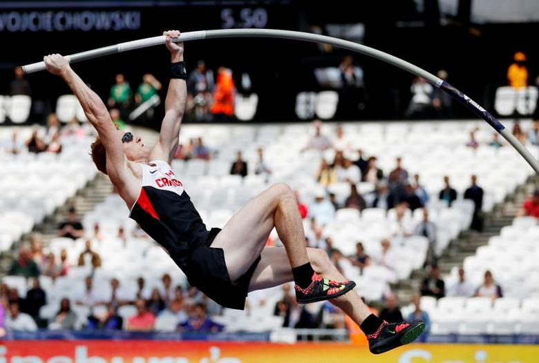 Athletics - IAAF Diamond League 2015 - Sainsbury's Anniversary Games - Queen Elizabeth Olympic Park, London, England - 25/7/15Canada's Shawn Barber in action during the Men's Pole VaultReuters / Phil Noble