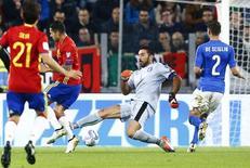 Buffon em jogo da Itália contra a Espanha. 06/10/16.   REUTERS/Stefano Rellandini