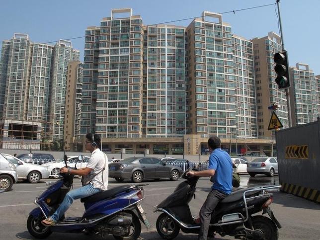10月6日、中国ではこの6日間に14の地方政府が不動産投機抑制のための住宅購入規制を打ち出した。写真は中国湖南省の省都、長沙市で9月撮影(2016年 ロイター/Yawen Chen)