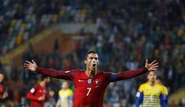 Cristiano Ronaldo comemora gol de Portugal contra Andorra.  07/10/16.  REUTERS/Rafael Marchante