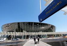 Monaco a décidé d'investir 150 millions d'euros dans l'aéroport de Nice dont la privatisation partielle a rapporté 1,22 milliard d'euros à l'Etat. La principauté souhaite en changer pour y apposer celui de Monte-Carlo. /Photo price le 4 mai 2016/REUTERS/Eric Gaillard