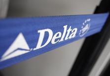 Delta Air Lines annonce un bénéfice supérieur au consensus au troisième trimestre, mais un chiffre d'affaires inférieur. /Photo d'archives/REUTERS/Joshua Lott