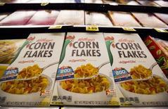 Le fabricant américain des Corn Flakes, Kellogg, veut prendre une participation de contrôle dans le groupe alimentaire non coté brésilien Parati pour environ 1,38 milliard de réals (391 millions d'euros). /Photo d'archives/REUTERS/Mario Anzuoni