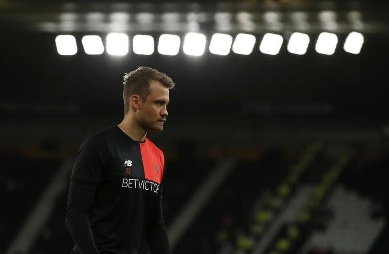 Britain Football Soccer - Derby County v Liverpool - EFL Cup Third Round - iPro Stadium - 20/9/16Liverpool's Simon Mignolet warms up before the match Action Images via Reuters / Andrew BoyersLivepic