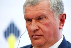 Head of Russian state oil firm Rosneft Igor Sechin attends a session of the St. Petersburg International Economic Forum 2016 (SPIEF 2016) in St. Petersburg, Russia, June 16, 2016. REUTERS/Sergei Karpukhin/File Photo - RTSQHGU