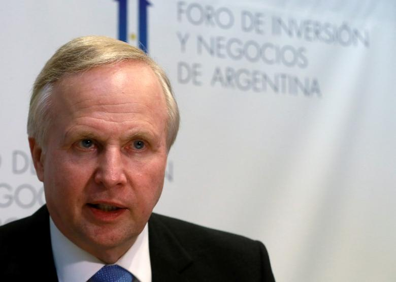 Bob Dudley, CEO of BP gas company, speaks during an interview at the Argentina Business and Investment Forum 2016, in Buenos Aires, Argentina, September 14, 2016.   REUTERS/Enrique Marcarian