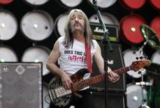 Derek Smalls (played by Harry Shearer) of Spinal Tap performs during the Live Earth concert at Wembley Stadium in London, in a July 7, 2007 file photo.   REUTERS/Stephen Hird/Files