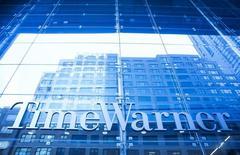 AT&T est en discussions avancées en vue d'un rachat de Time Warner, une opération qui permettrait à l'opérateur de télécommunications américain de prendre le contrôle des chaînes de télévision HBO et CNN et du studio de cinéma Warner Bros. /Photo d'archives/REUTERS/Eric Thayer