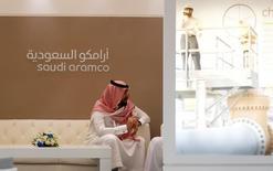 Homem visto durante evento da petroleira estatal Saudi Aramco, da Arábia Saudita, em Manama.    27/09/2016      REUTERS/Hamad I Mohammed