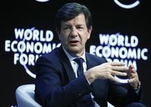 """Em foto de arquivo, Roberto Egydio Setubal, presidente do Itau Unibanco, participa da sessão final do evento """"The Global Agenda 2015"""" em Davos, na Suíça 24/01/2015 REUTERS/Ruben Sprich"""