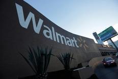 Una tienda de Wal-Mart en Monterrey, México, ago 10, 2016. La Asociación Nacional de Tiendas de Autoservicio y Departamentales (ANTAD) de México dijo el jueves que las ventas iguales de sus socios crecieron un 7.7 por ciento interanual en octubre. Las ventas iguales o comparables son las de las tiendas con más de un año en operación.  REUTERS/Daniel Becerril