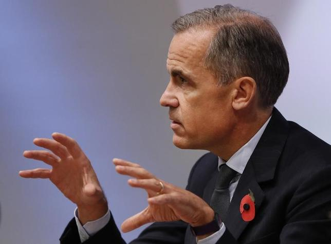 11月15日、英中銀のカーニー総裁は、ハードブレグジットが現実味を帯びれば、英国内の銀行は1年半前に国外移転に着手する可能性を指摘した。写真はロンドンで3日代表撮影(2016年 ロイター)