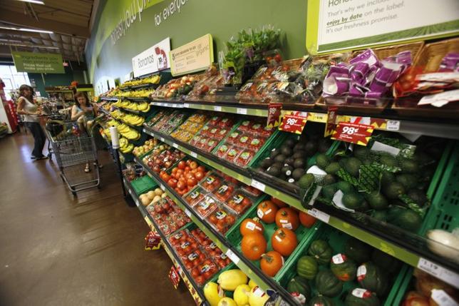 11月16日、10月の米卸売物価指数は上昇予想に反し、横ばいだった。写真はカリフォルニア州の商店で2012年10月撮影(2016年 ロイター/Mario Anzuoni)