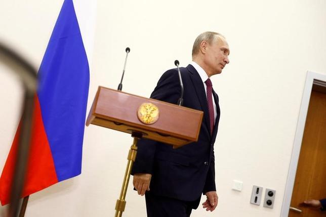 11月16日、ロシアのプーチン大統領は、国際刑事裁判所(ICC)設立条約からロシアの署名を撤回することを決定し、大統領令に署名した。写真はベルリンで10月撮影(2016年 ロイター/Axel Schmidt)