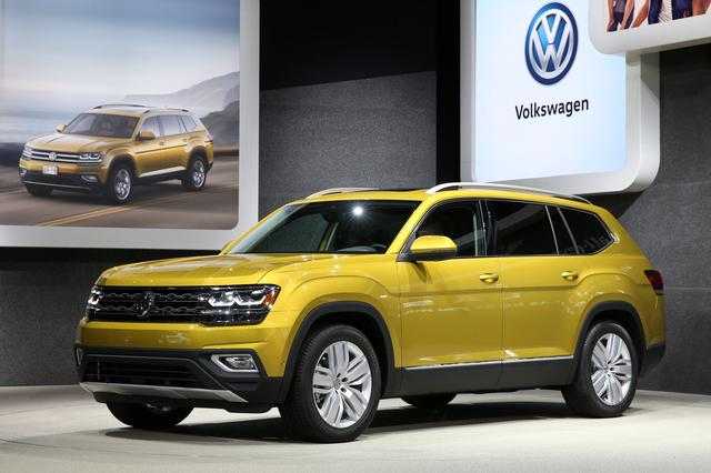 vw makes pitch as comeback brand at los angeles auto show reuters. Black Bedroom Furniture Sets. Home Design Ideas
