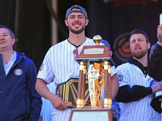 11月17日、MLBは2016年のMVPを発表し、ナ・リーグではカブスのクリス・ブライアント内野手(写真)、ア・リーグではエンゼルスのマイク・トラウト外野手が選ばれた。4日撮影(2016年 ロイター/Dennis Wierzbicki-USA TODAY Sports)