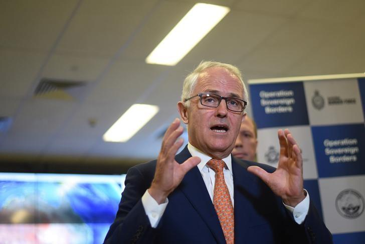 Australia's Prime Minister Malcolm Turnbull speaks to the media after a tour of the Australian Maritime Border Command Centre in Canberra, November 13, 2016. AAP/Lukas Coch/via REUTERS