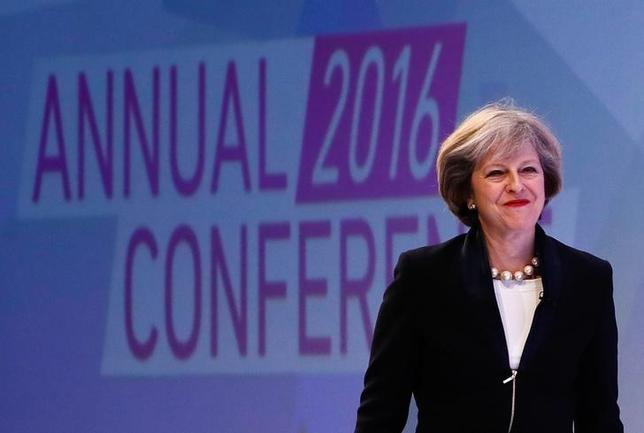 11月21日、メイ英首相は、企業のブレグジット後への懸念に理解を示した。ロンドンで同日撮影(2016年 ロイター/Stefan Wermuth)