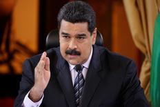 El presidente de Venezuela, Nicolás Maduro, en una rueda de prensa en Caracas, nov 4, 2016. El presidente de Venezuela, Nicolás Maduro, dijo el martes que su gobierno evaluará acciones judiciales contra el estadounidense JPMorgan, luego de que el banco reportara en la víspera que la petrolera estatal PDVSA retrasó hasta por 30 días el pago de unos intereses de sus bonos.    REUTERS/Marco Bello