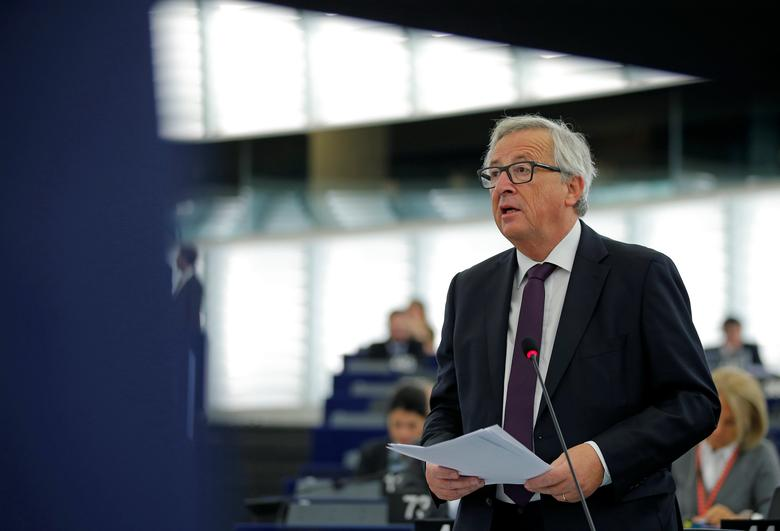 European Commission President Jean-Claude Juncker addresses the European Parliament during a debate on the last European Summit, in Strasbourg, France, October 26, 2016.   REUTERS/Vincent Kessler