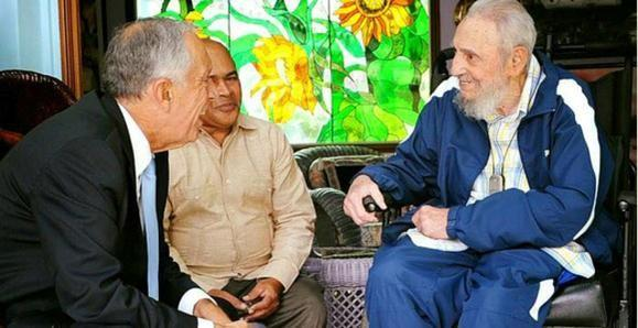 Cuba's former President Fidel Castro (R) and President of Portugal Marcelo Rebelo de Sousa (L) meet in Havana, Cuba, October 26, 2016, in this handout photo provided by Cubadebate. Courtesy of Cubadebate/Handout via Reuters