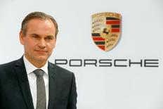 CEO of German carmaker Porsche, Oliver Blume, poses prior to the company's annual news conference in Stuttgart, southern Germany March 11, 2016.   REUTERS/Michael Dalder