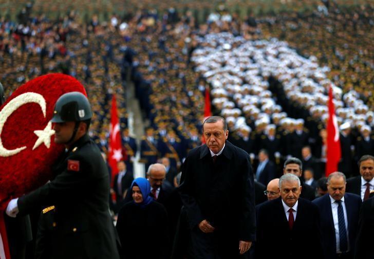 Turkey's President Tayyip Erdogan attends a Republic Day ceremony at Anitkabir, the mausoleum of modern Turkey's founder Ataturk, to mark the republic's anniversary in Ankara, Turkey, October 29, 2016. REUTERS/Umit Bektas