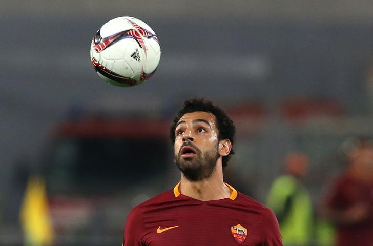 Football Soccer - AS Roma v Viktoria Plzen - UEFA Europa League Group Stage  - Group E - Olympic Stadium, Rome, Italy - 24/11/16 AS Roma's Mohamed Salah in action. REUTERS/Alessandro Bianchi