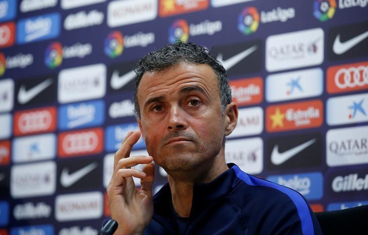 Football Soccer - Barcelona news conference - Joan Gamper training ground, Barcelona, Spain - 2/12/2016 - Barcelona's coach Luis Enrique attends a news conference prior to ''El Clasico'' against Real Madrid. REUTERS/ Albert Gea