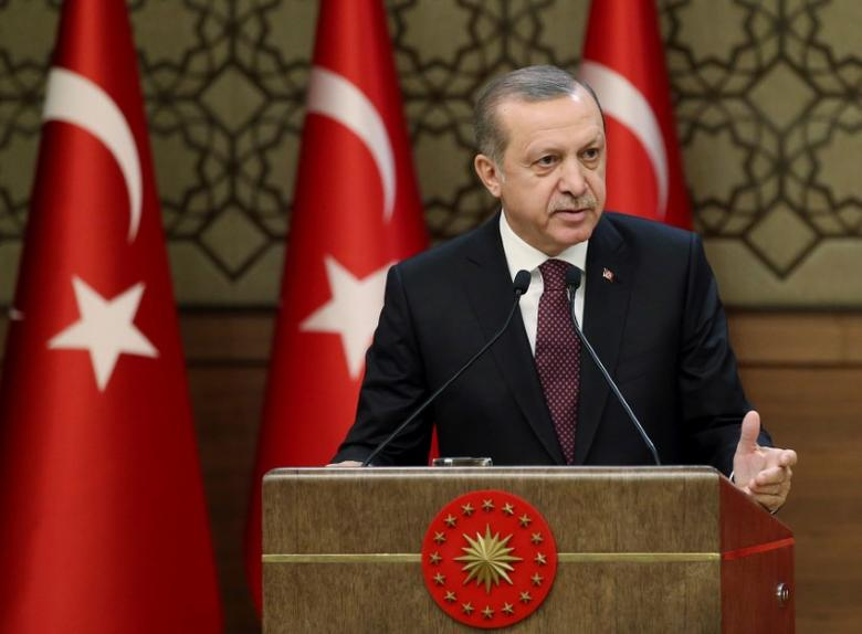 Turkish President Tayyip Erdogan makes a speech during his meeting with mukhtars at the Presidential Palace in Ankara, Turkey, December 1, 2016. Yasin Bulbul/Presidential Palace/Handout via REUTERS