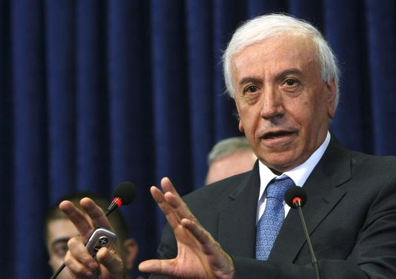 Iraqi Kurdish Minister for Natural Resources Ashti Hawrami speaks during a news conference in Arbil, about 350 km (217 miles) north of Baghdad February 7, 2013.  REUTERS/Azad Lashkari