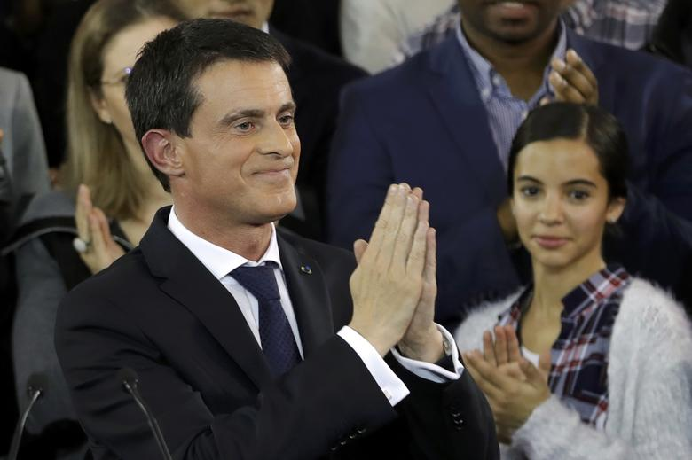 French Prime Minister Manuel Valls reacts at the end of a news conference where he announced that he is a candidate for next year's French presidential election, at the town hall in Evry, near Paris, France, December 5, 2016.  REUTERS/Christian Hartmann