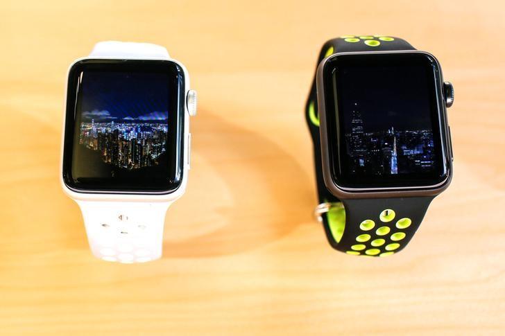 2016年9月16日,纽约一家苹果专卖店展示的新款iWatch模型。REUTERS/Eduardo Munoz